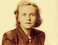 Laura's 1948 Passport Photo