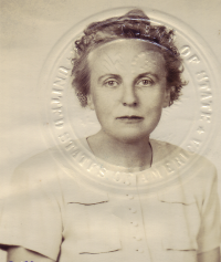 Laura's 1954 Passport Photo